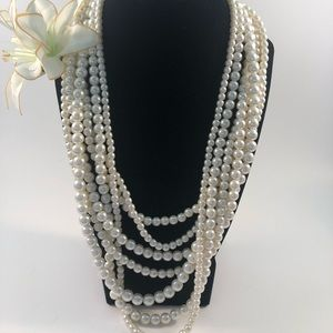 Jewelry - Layered faux pearl necklace